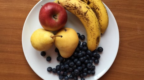 Baby food - afternoon fruit and oatmeal purée